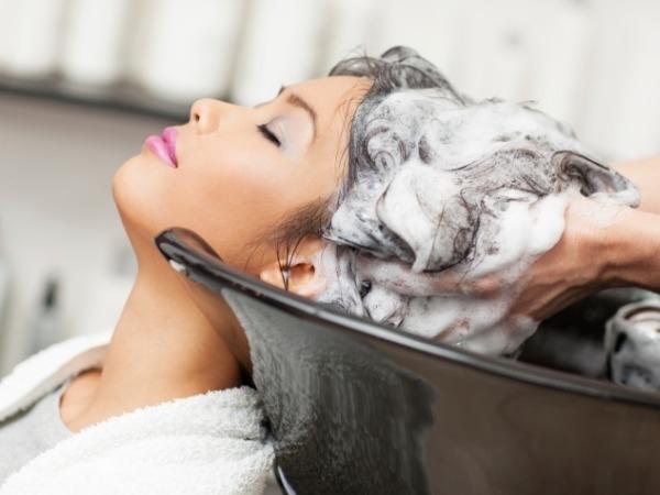 Detoksykacja skóry głowy